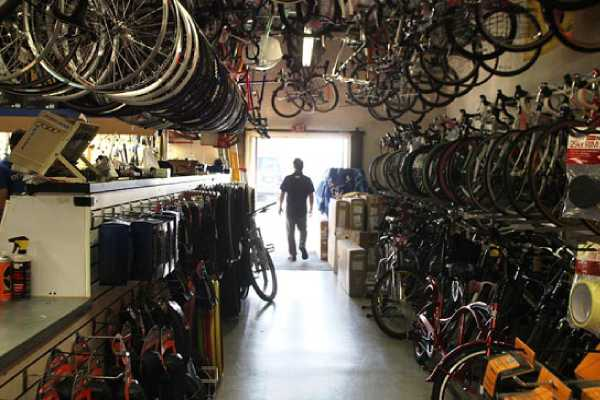 Aisle in a bike store with power backup solutions